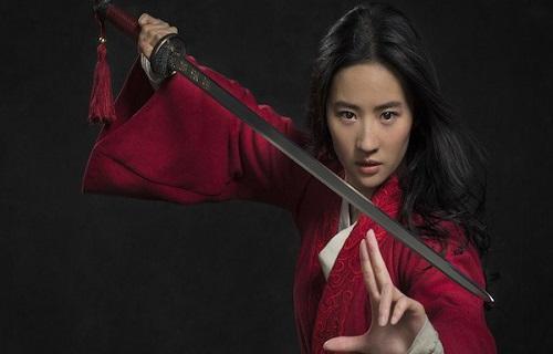 لیو ییفی در نقش مولان در لایواکشن مولان 2020