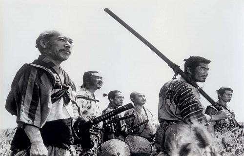 نمایی از فیلم هفت سامورایی ساخته آکیرا کوروساوا