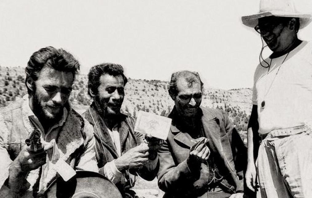بترتیب از راست: سرجیو لئونه، لی ون کلیف، الی والاک و کلینت ایستوود در پشت صحنه فیلم خوب، بد و زشت
