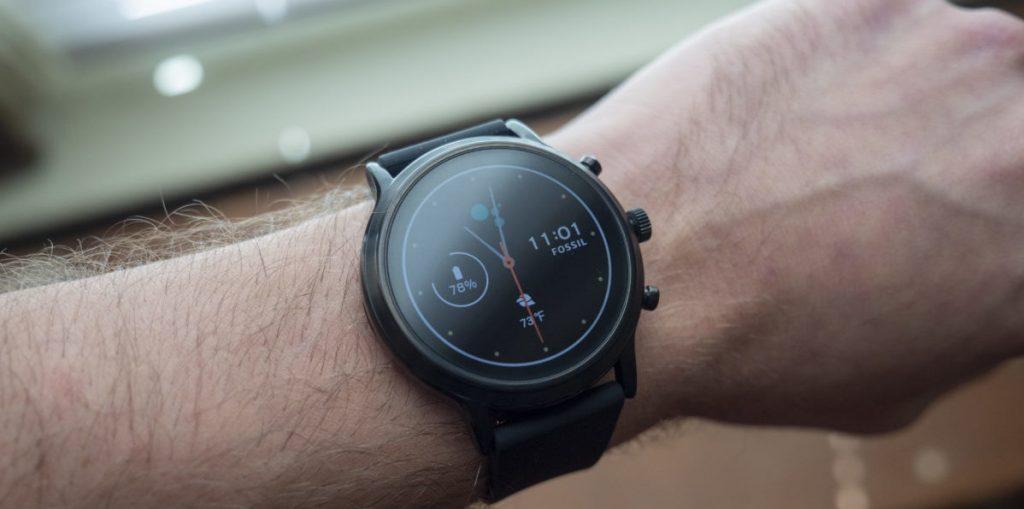 طراحیو صفحه نمایش _ساعت هوشمند _ Fossil Gen 5 _ ریون مگ
