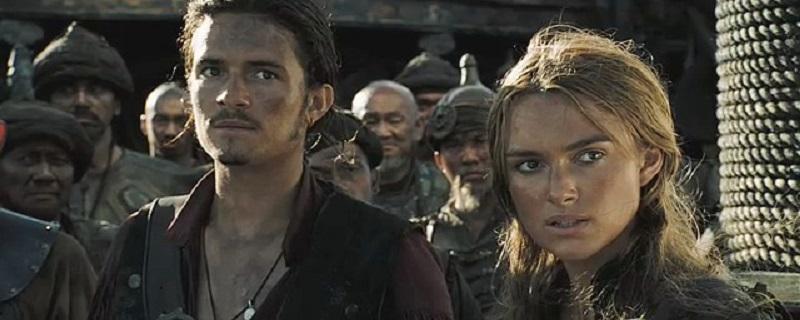 کیرا نایتلی در نقش الیزابت سوان (راست) و اورلاندو بلوم در نقش وبل ترنر (چپ)