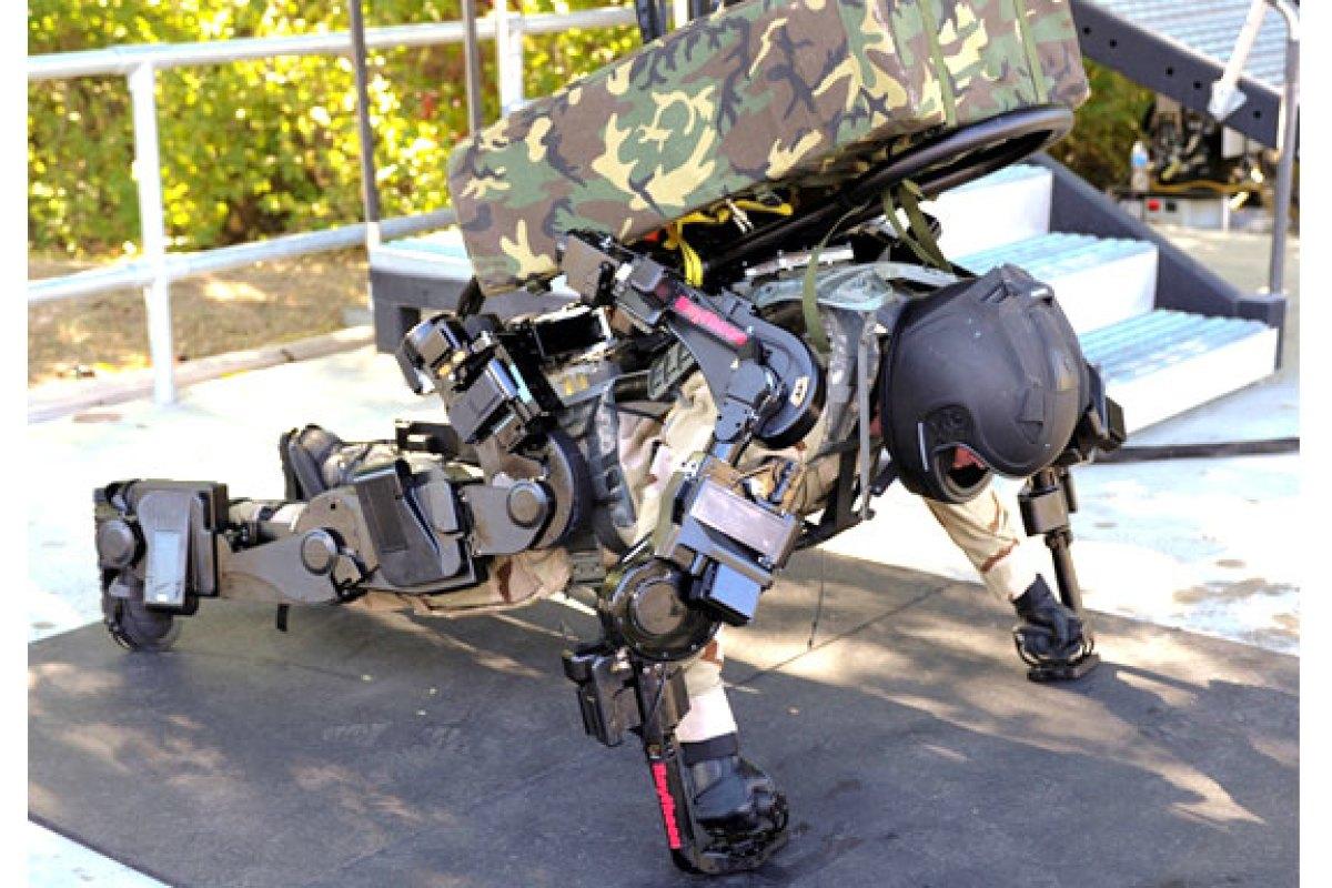 Raytheon XOS 2 لباس رباتیک نسل دوم