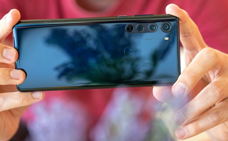دوربین_Motorola Edge_ ریون مگ