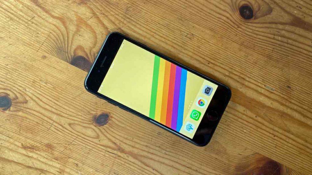 iPhone SE (2020)_ریون مگ