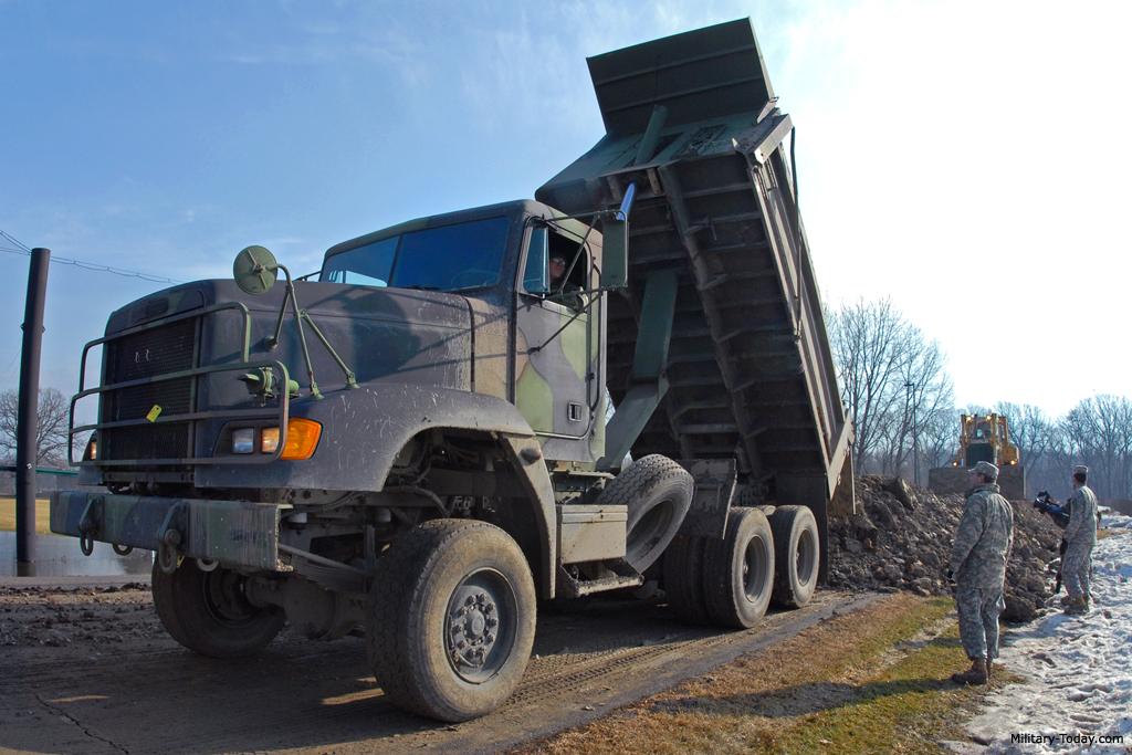 معرفی کامیون کمپرسی نظامی M917A2