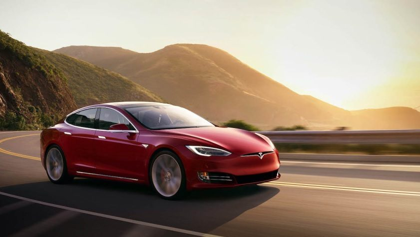 """به روزرسانی نرم افزار تسلا به اتومبیل ها کمک می کند علائم """"محدودیت سرعت"""" را ببیند_ ریون مگ"""