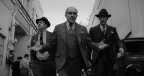گری اولدمن در نقش هرمان جی مانکیویچ ، آرلیس هوارد در نقش لوئیس بی مایر ، تام پلفری در نقش جو مانکیویچ