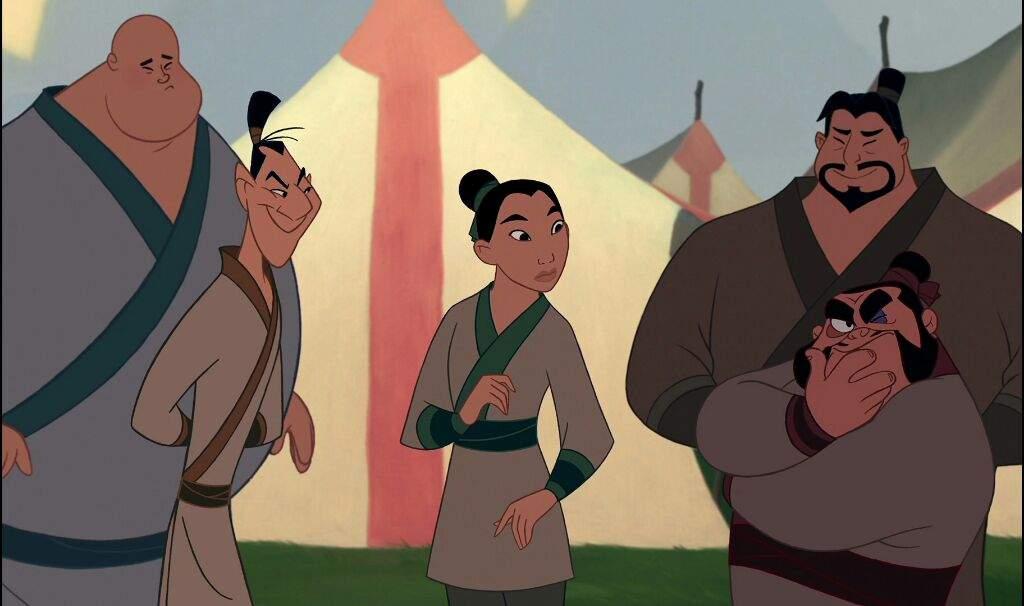 مولان  در کنار سربازان دیگر در انیمیشن مولان