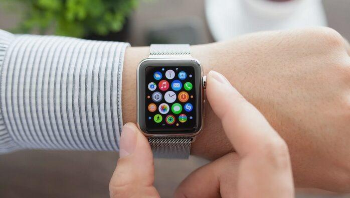 راهنمای خرید ساعت های هوشمند: 4 نکته ی اساسی که باید قبل از خرید بدانید_ ریون مگ