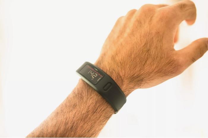 دستبند های سلامتی _راهنمای خرید ساعت های هوشمند_ ریون مگ