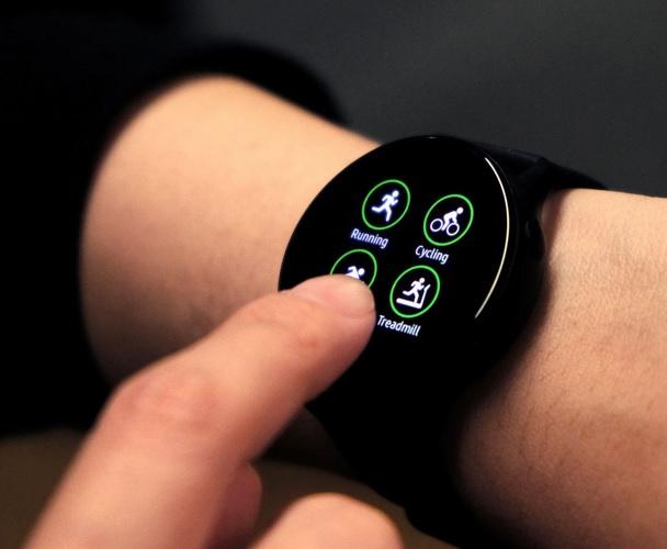 6. ساعت هوشمند سامسونگ مدل Galaxy Watch Active2 44mm Leatherband Smart _پر فروش ترین ساعت های هوشمند سامسونگ3_ریون مگ