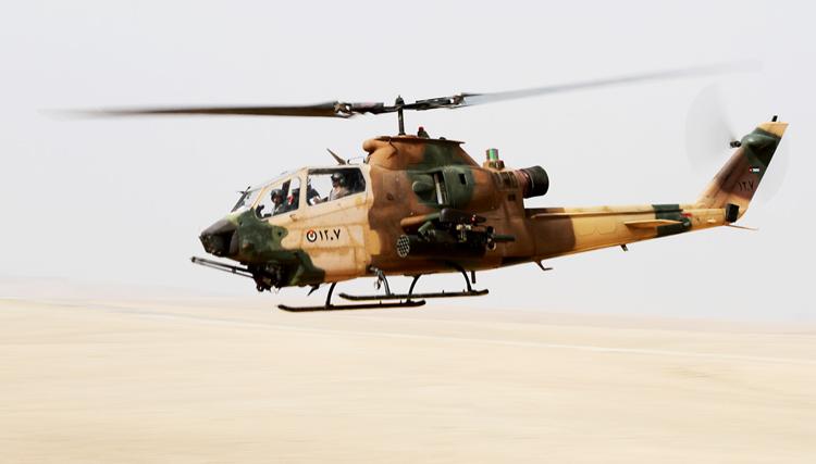 AH-1F مجهز به راکت هایدرا و توپ 20 میلیمتری ولکان