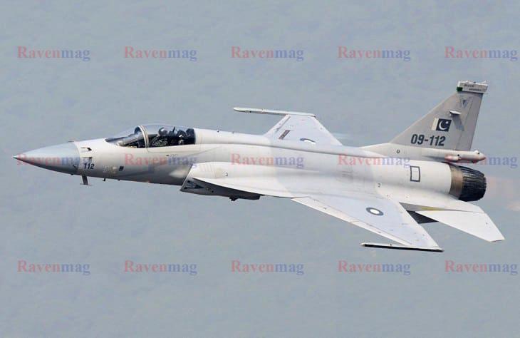 جنگنده جی اف 17 تاندر